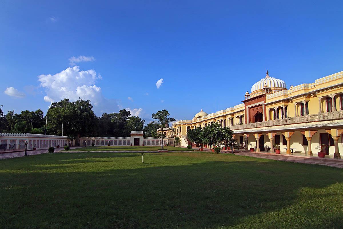 Amar Mahal - Orchha - Central - Big 1