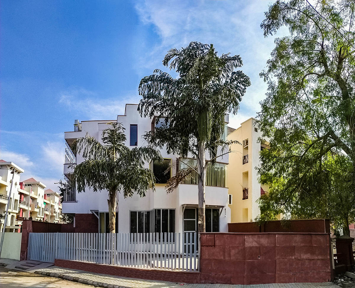EKKA Villa and Kitchen - Agra - Big 1