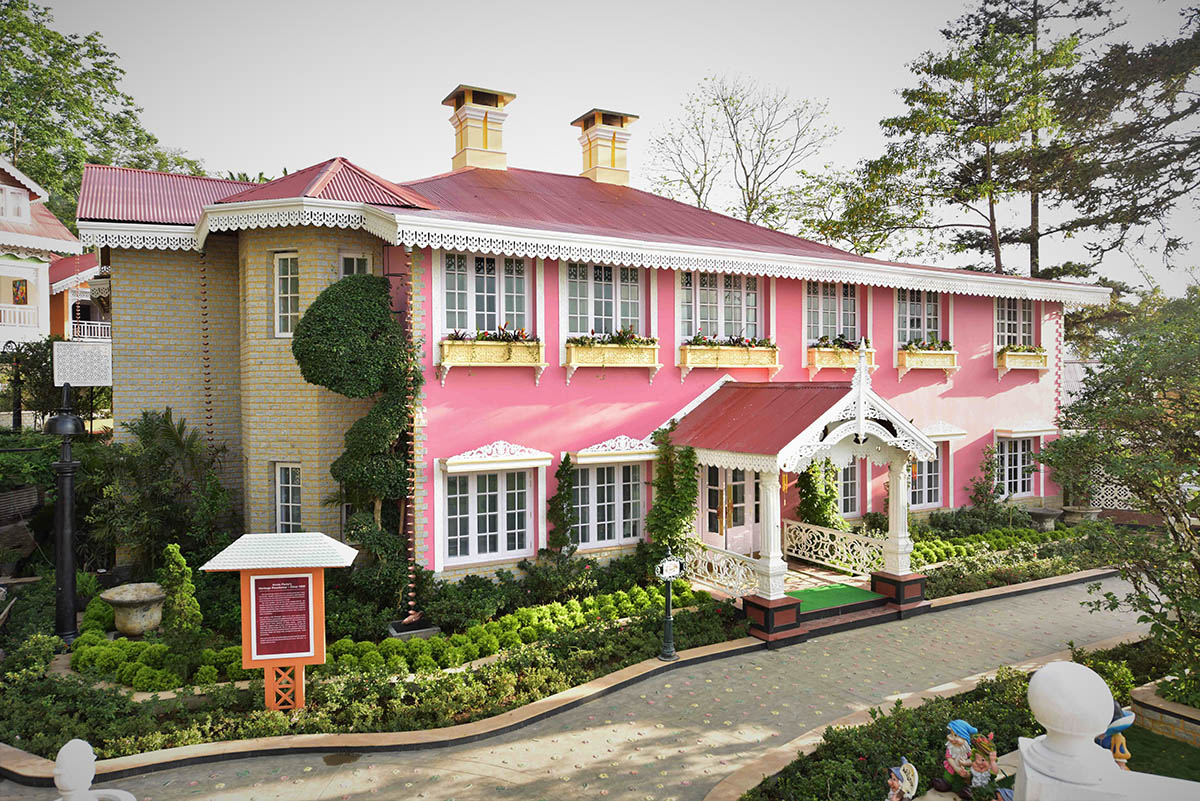 Mayfair Himalayan Spa Resort - Kalimpomg - Eastern - Big 1